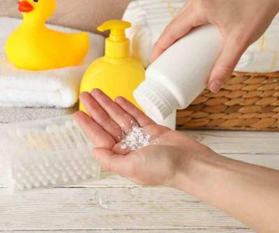 What Are The Different Types of Baby Powder and Alternatives for Talc-Based Baby Powder