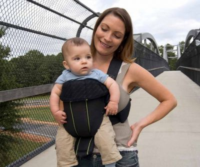What Do You Look For In The Types Of Baby Carrier For A Petite Mom